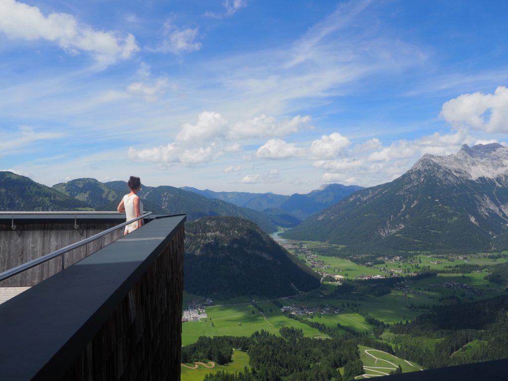 Het uitzichtplatform van het Jakobskreuz op de Pillersee en de omringende bergen is gratis met de PillerseeTal Card