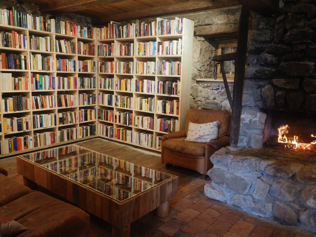 Kaasmakerij en bibliotheek in de Wildalm Fieberbrunn