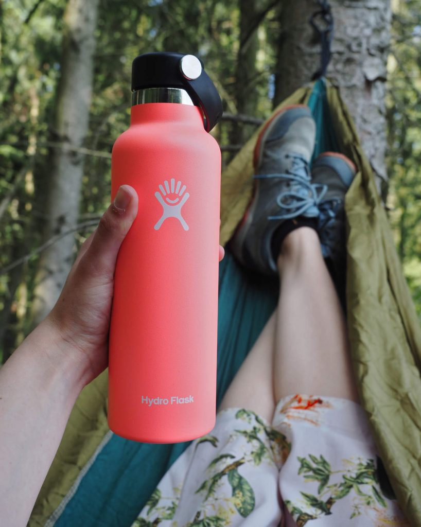 Hydro Flask 0,6L standard mouth in de hangmat
