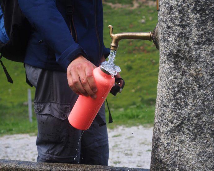 De thermosfles van Hydro Flask houdt bergwater ijskoud