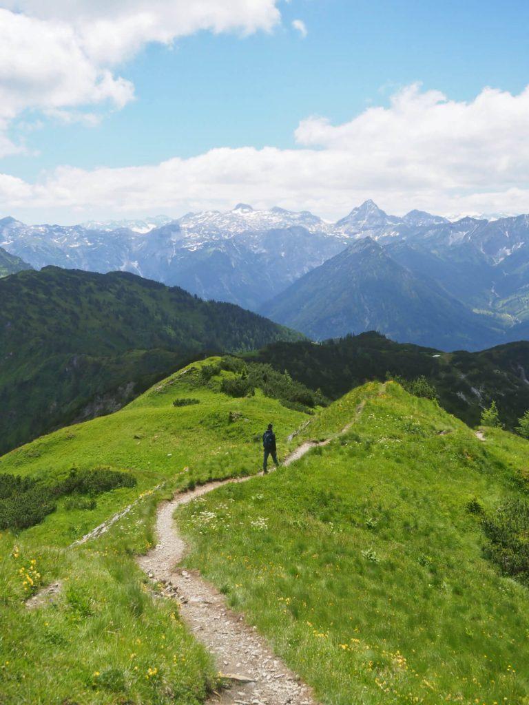 Uitzicht op de Lärchfilzkogel op de Salzburger Almenweg